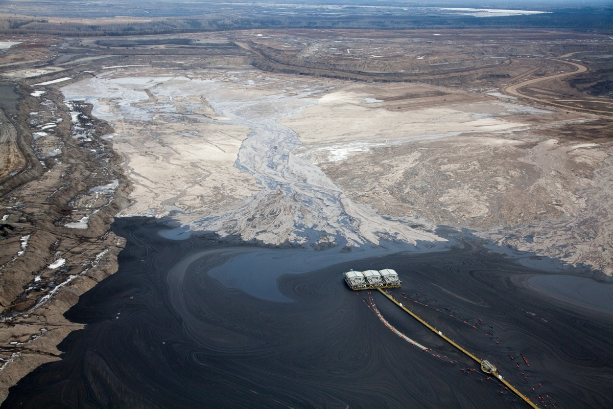 Alex McLean Oilsands Overview of tailings pond at Suncor mining site