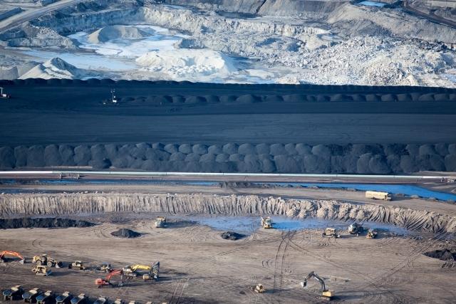 Alberta-oilsands-Alex-McLean.jpg