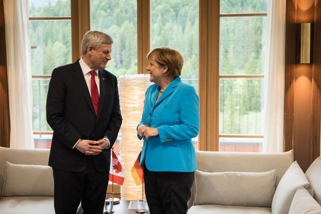 Harper-Merkel-G7.jpg