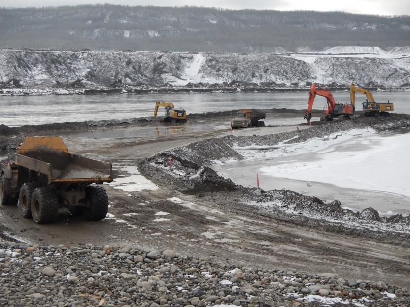 In-river-excavation-3-9_0.jpg