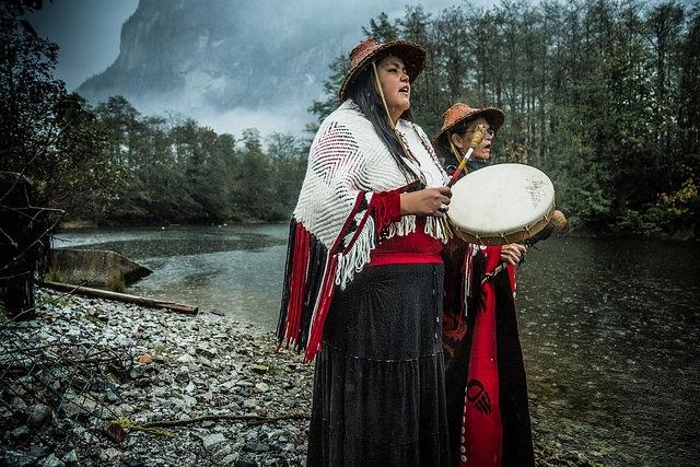 Joyce-Williams-Linda-Williams-Squamish-Kris-Krug.jpg