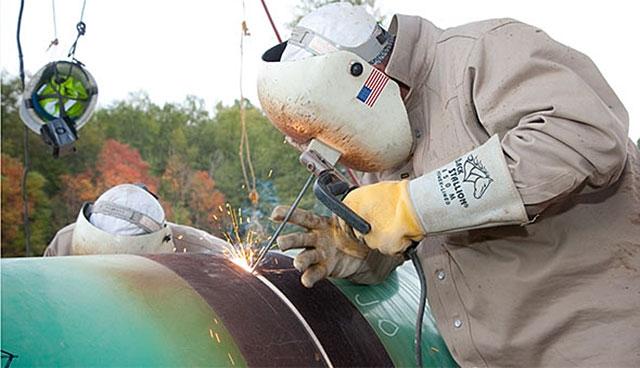 TransCanada-Pipeline-Welders.jpg