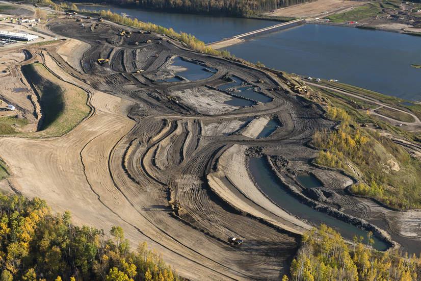 site-C-dam-construction-2016.jpg