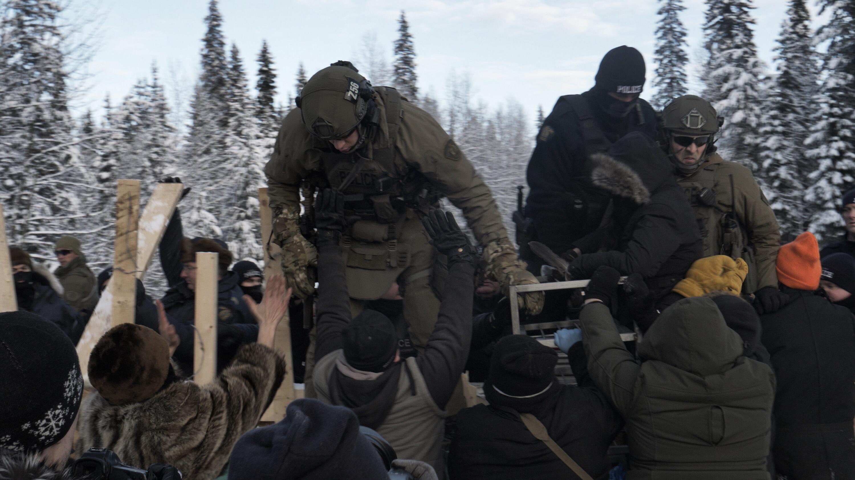 RCMP raid Gidimt'en checkpoint