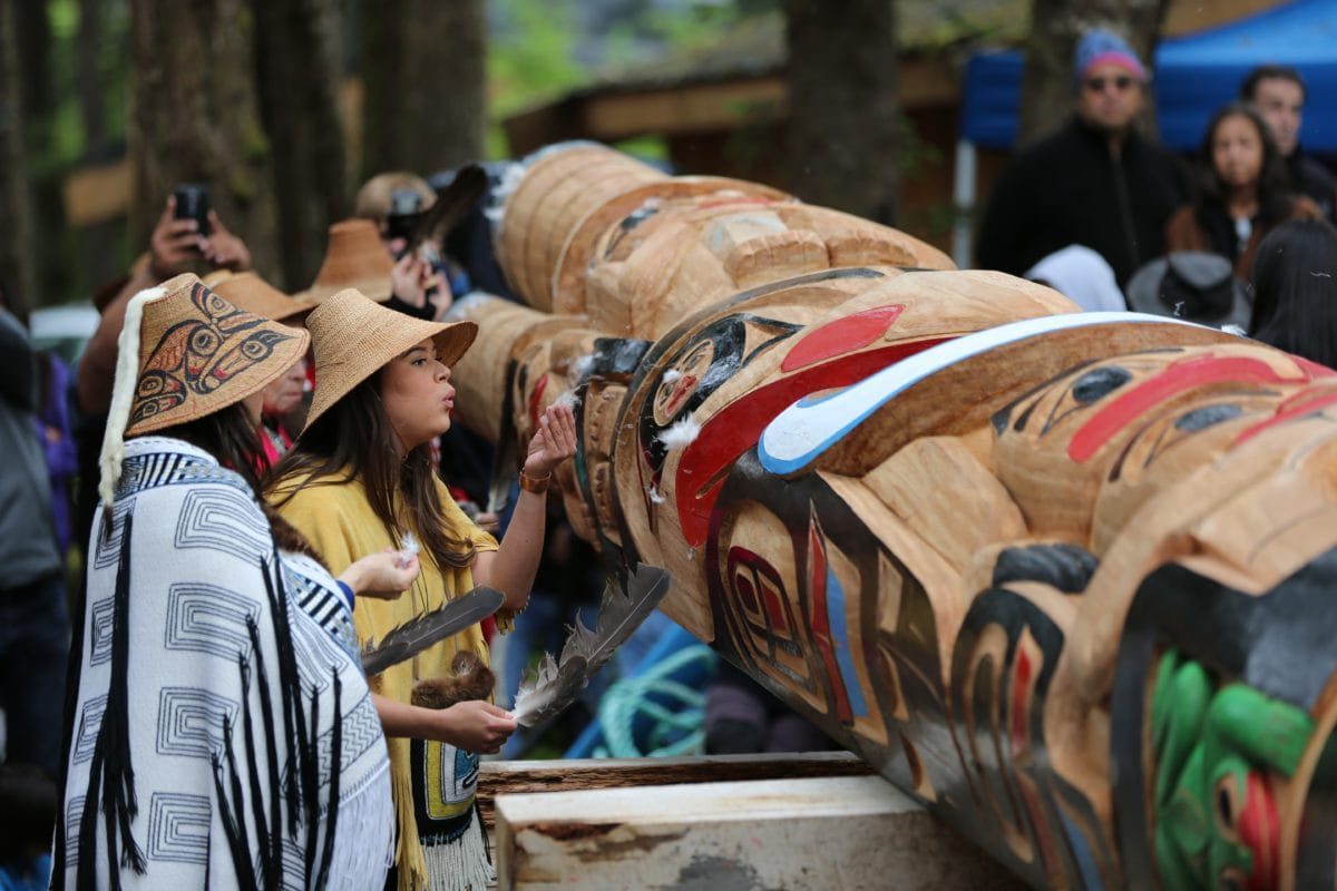 Haida women - Photo Brodie Guy