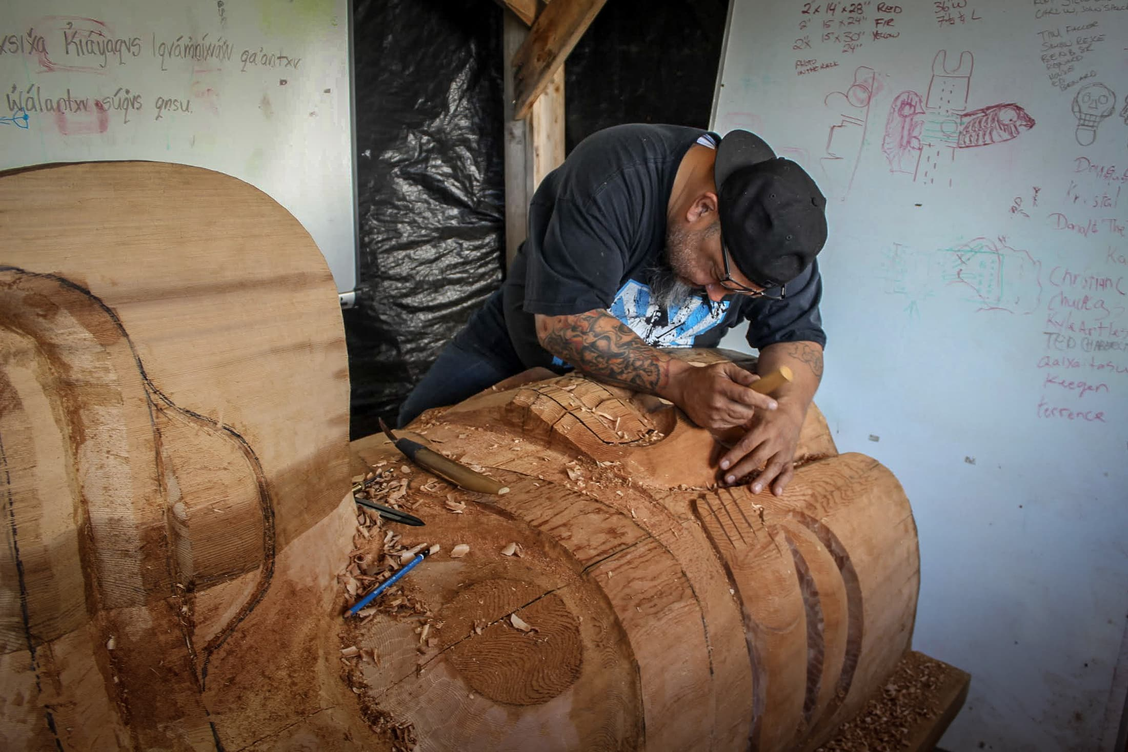 Gerry Sheena working on a totem pole. Photo: Heiltsuk First Nation