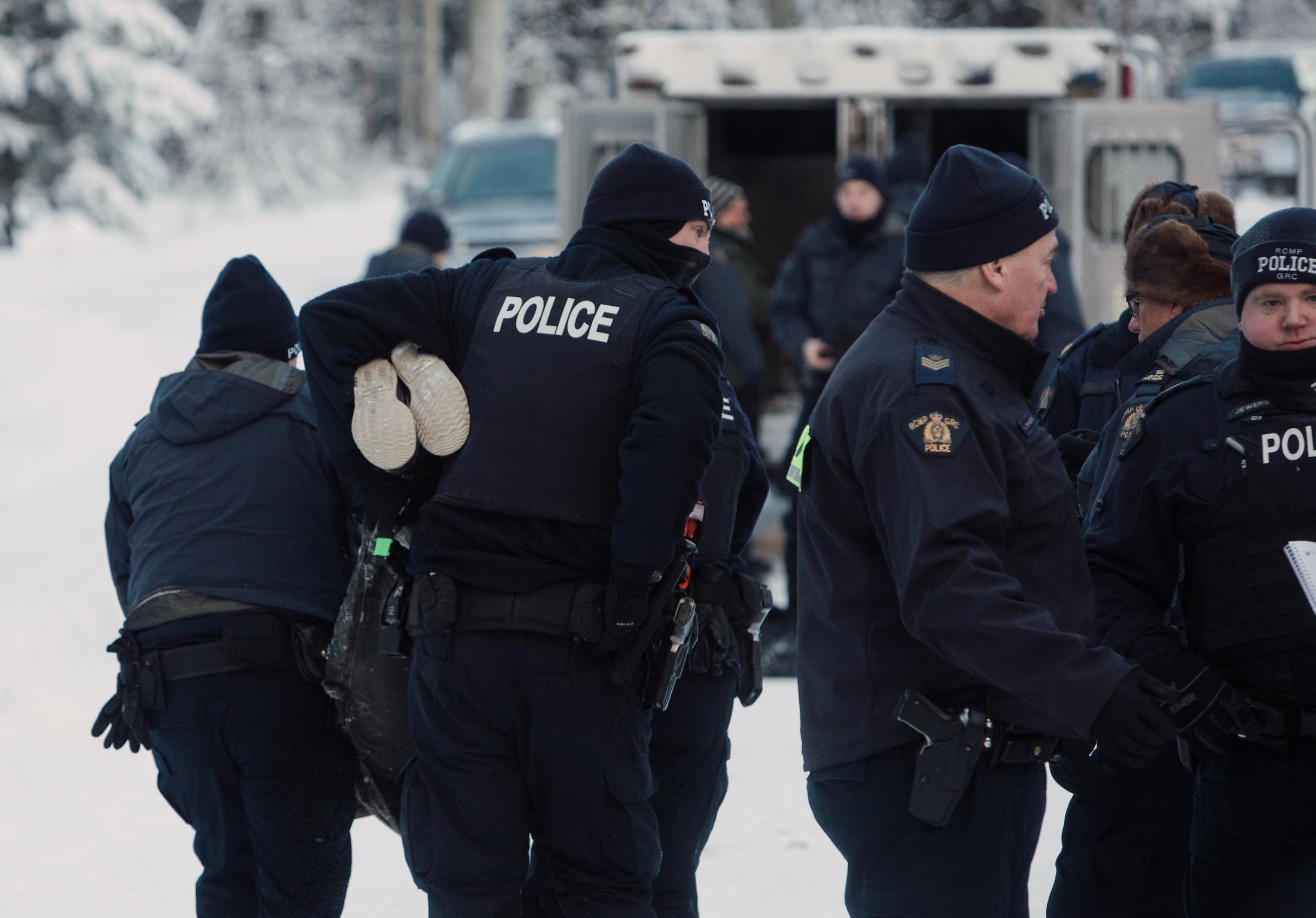 Coastal Gaslink Pipeline RCMP Gidimt'en arrest