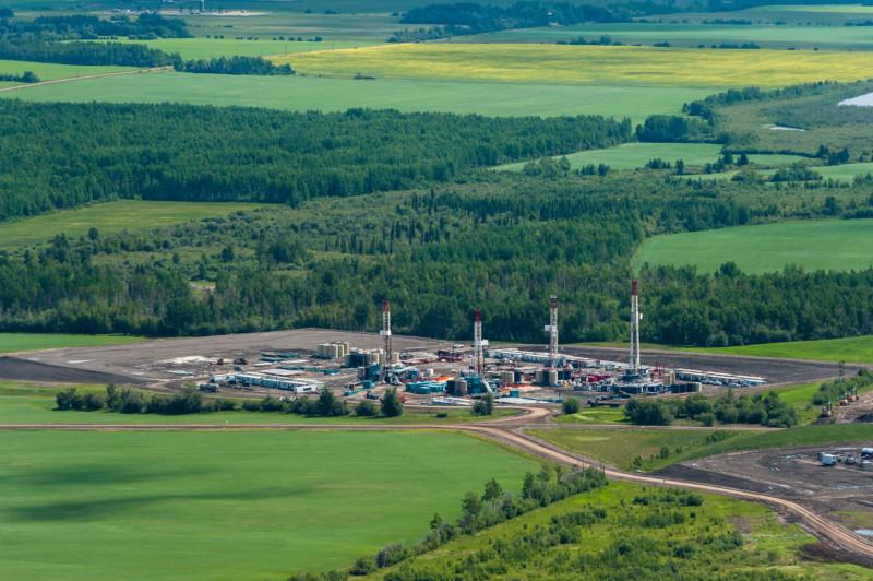 Oil and Gas Development. Farmington Area.