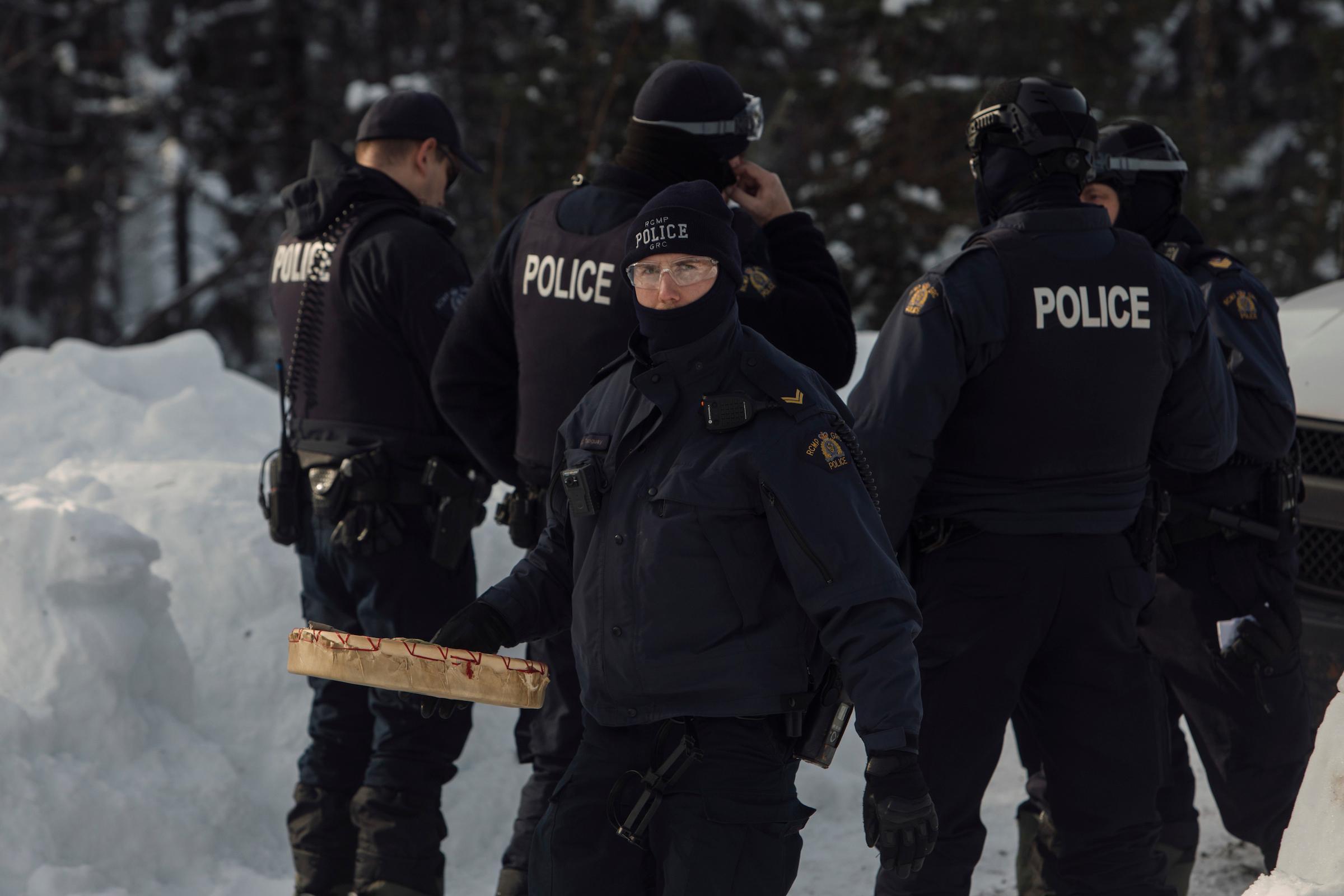 RCMP Coastal GasLink injunction arrests Unist'ot'en camp