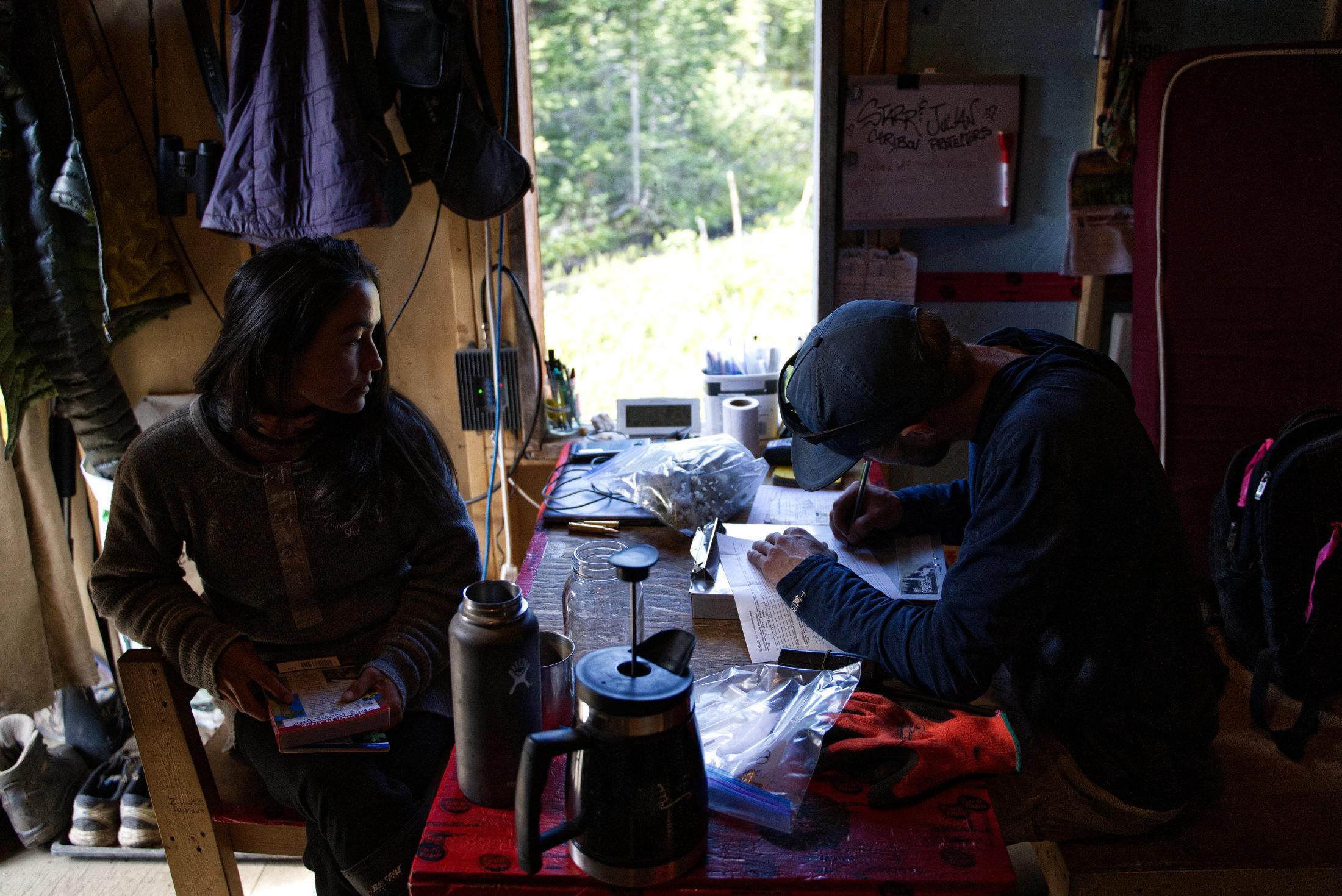 caribou pen Klinse-za guardians cabin