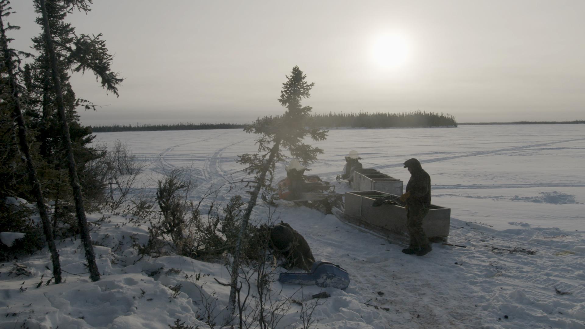 Weenusk First Nation hunters