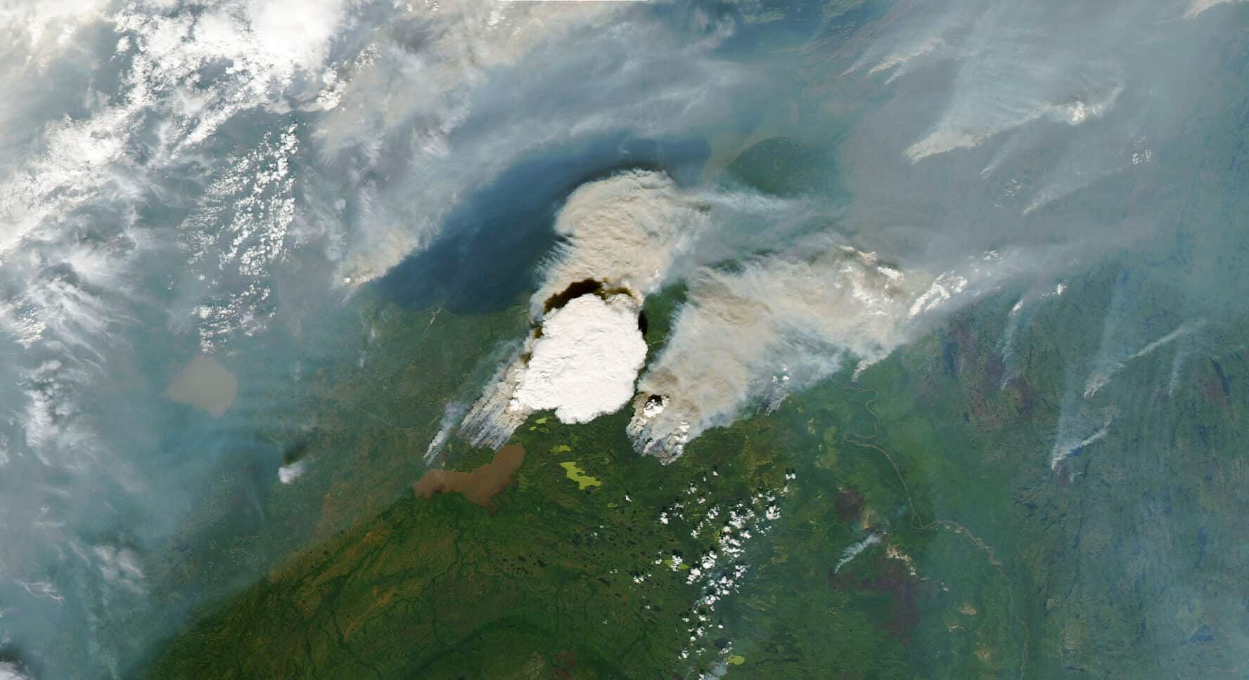 Satellite image of the smoke from the Northwest Territories wildfire near Great Slave Lake.