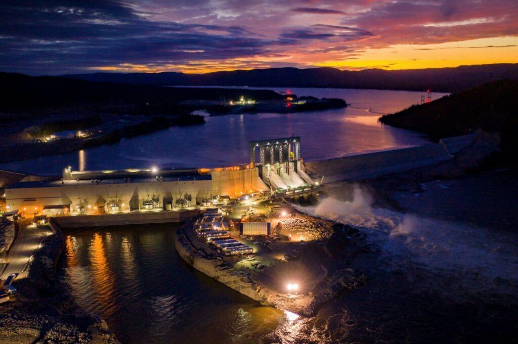 muskrat falls dam at night