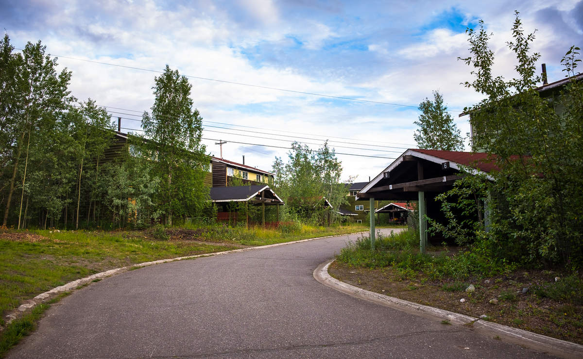 Faro Mine abandoned homes
